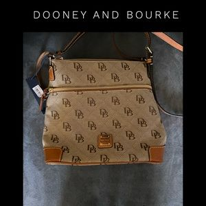 NWT Dooney and Bourke crossbody purse